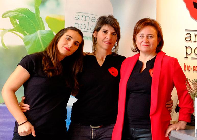 Ana Isabel y parte del equipo de Amapola Biocosmetics