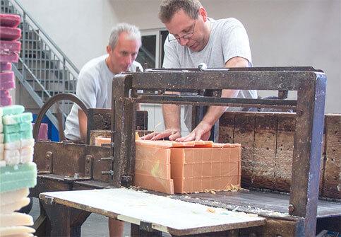 máquina de fabricacion artesanal de jabones beltran