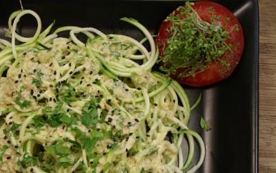 Espaguetis crudos de calabacín