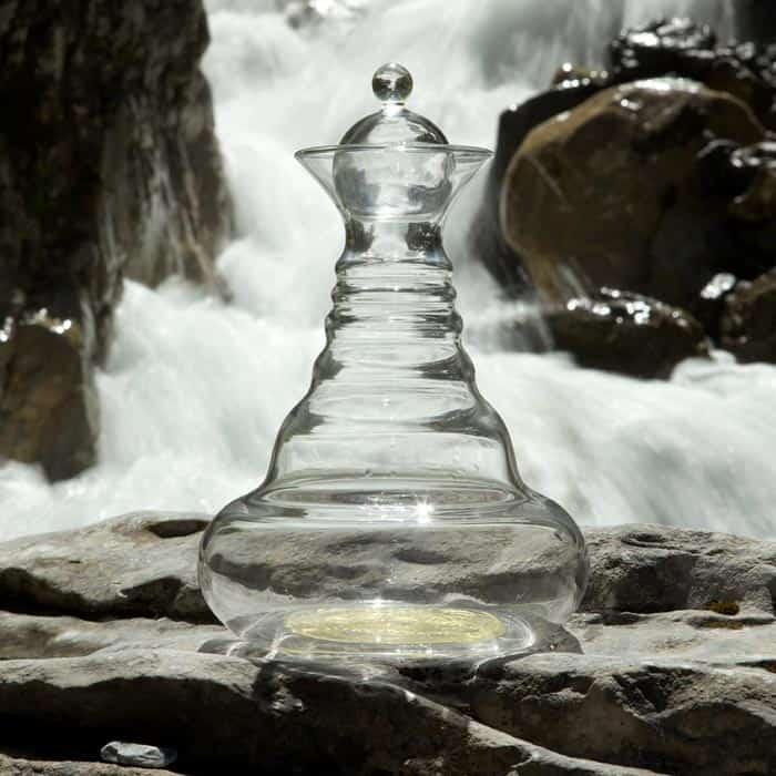 Jarra vitalizadora de agua y otros líquidos, Alladin