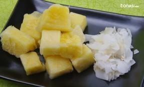 Piña congelada y coco deshidratado
