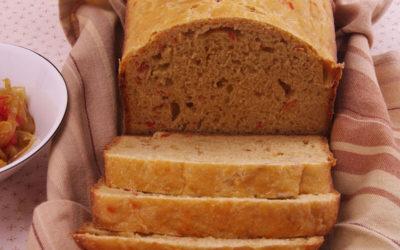 Pan de cebolla y pimiento caramelizados