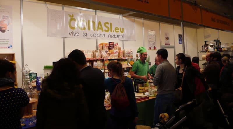 Joaquín repartiendo zumos de Versapers