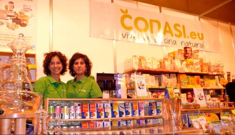 Hermanas Villen en el stand Conasi en Biocultura