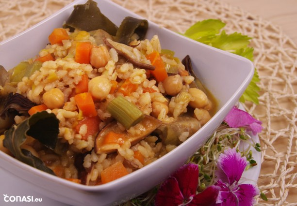 Cazuela de garbanzos con arroz