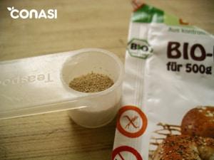 Midiendo la levadura de pan Biovegan