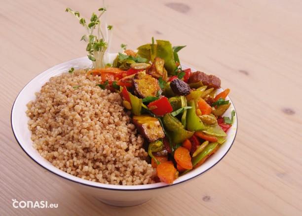 Cuscús de trigo sarraceno con verduras variadas. Un plato saludable, vegano, sin gluten