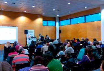 Lleno absoluto en la firma de libros de la Dra. Odile Fernández