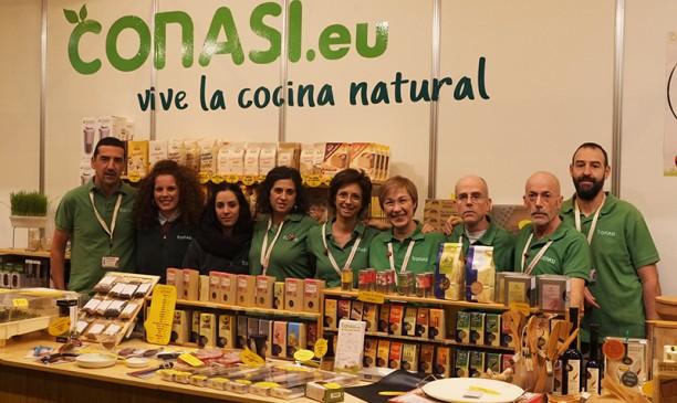 El equipo de Conasi casi al completo en el stand de Biocultura Madrid 2014