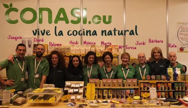 Bárbara en Biocultura Madrid con el equipo de Conasi