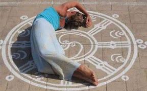 Yoga para vivir en coherencia: ¿ciencia o sugestión?
