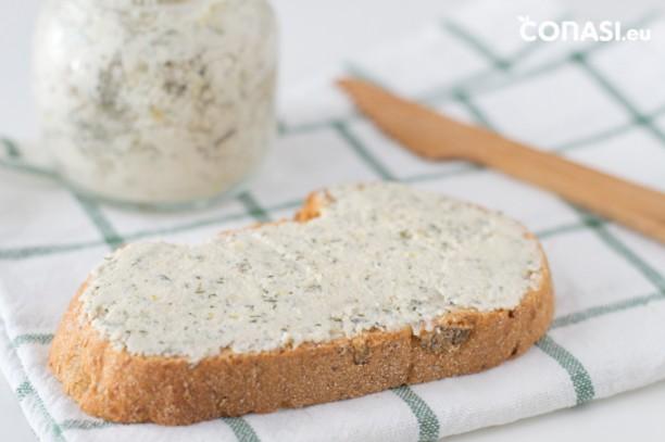 Con la pulpa sobrante de hacer el yogur hemos obtenido este queso fresco vegano