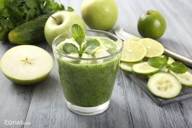 En los detox es importante incluir batidos verdes, líquidos, alimentos alcalinos, etc.