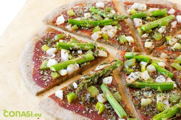 Pizza de verduras con masa de espelta y centeno