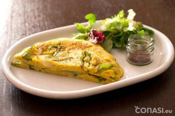 Tortilla sin huevo, hecha con semillas de lino, harina de garbanzo y agua