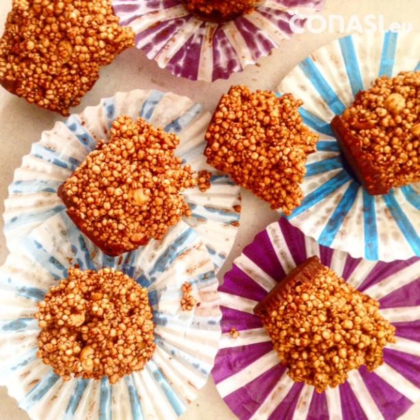 Mini pastelitos de quinoa y amaranto hinchados con endulzantes saludables