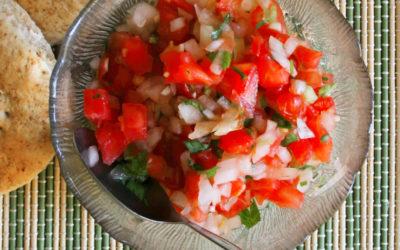 Pebre chileno con tomate