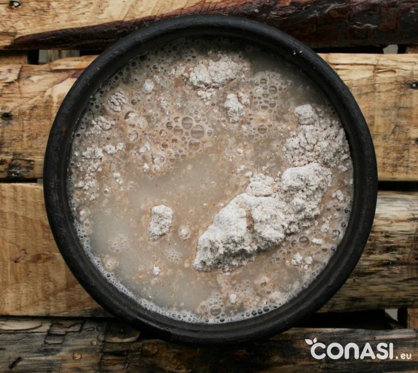 Mezcla de harina y agua