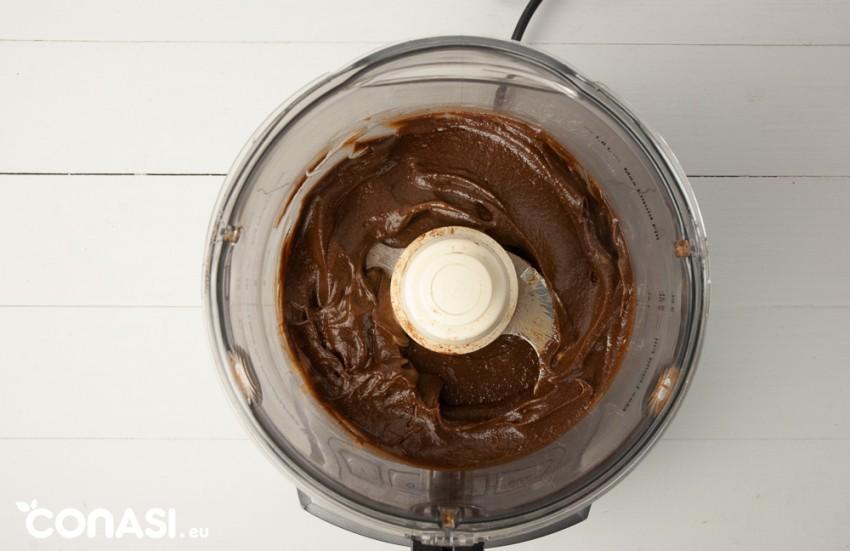 Paté de chocolate hecho con procesador