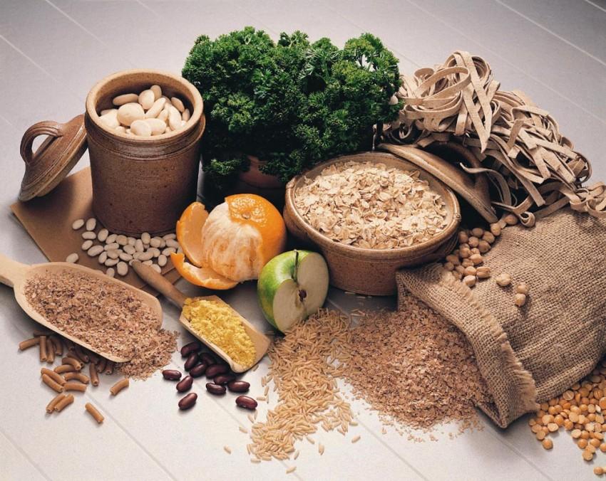 Cereales, legumbres, frutas y verduras con hierro