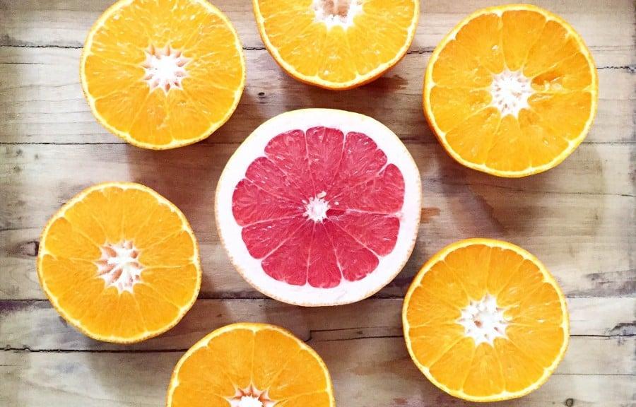 pomelo-naranjas-frutas-ricas-betacarotenos