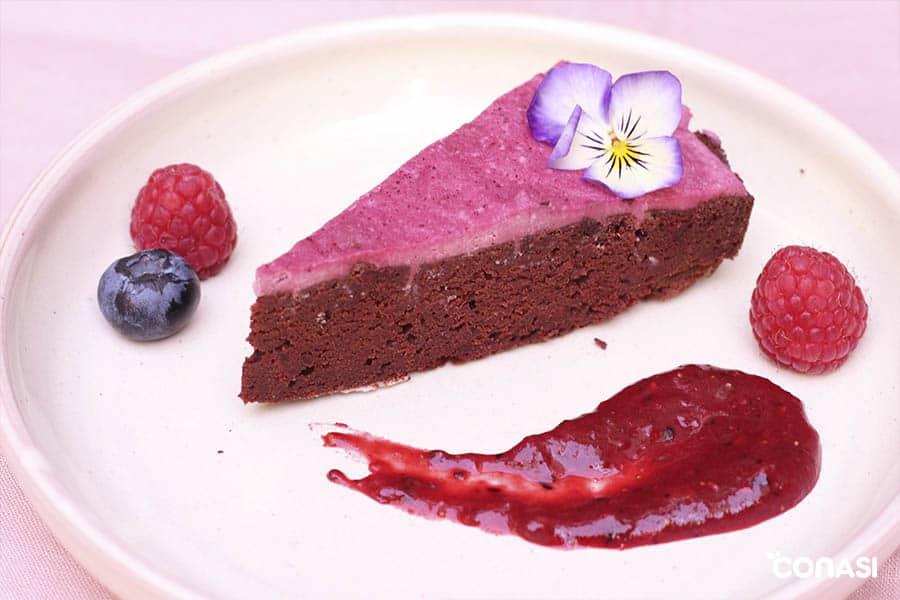 pastel de chocolate remolacha y alforfon germinado