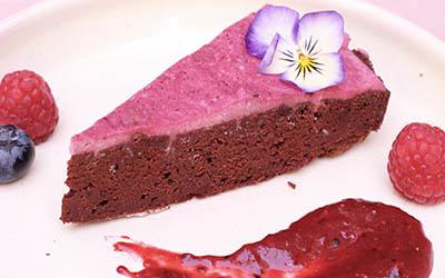 tarta de chocolate remolacha y alforfon germinado