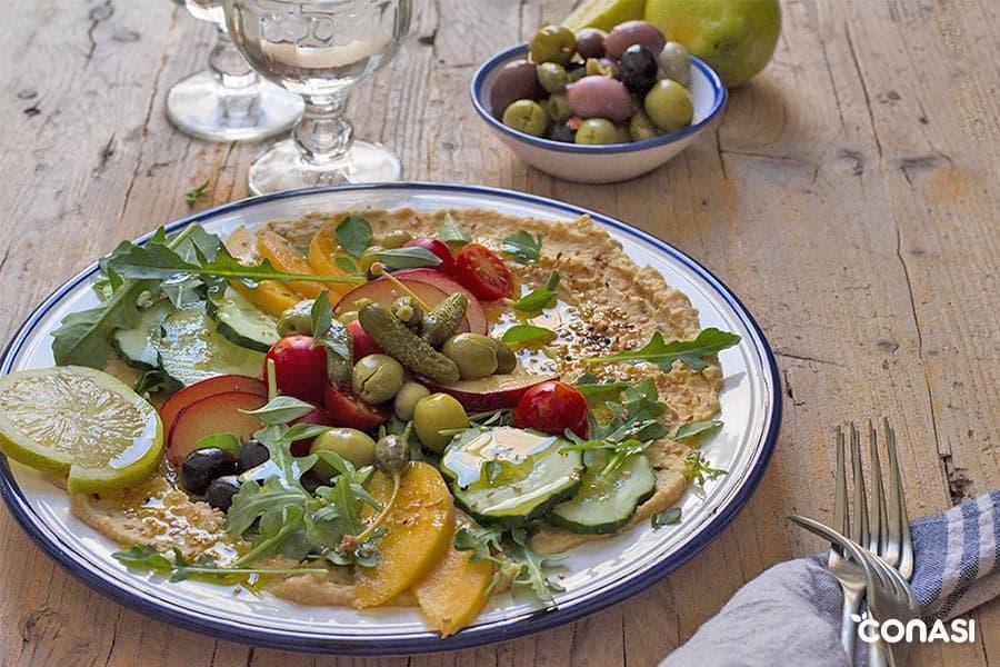Ensalada con hummus