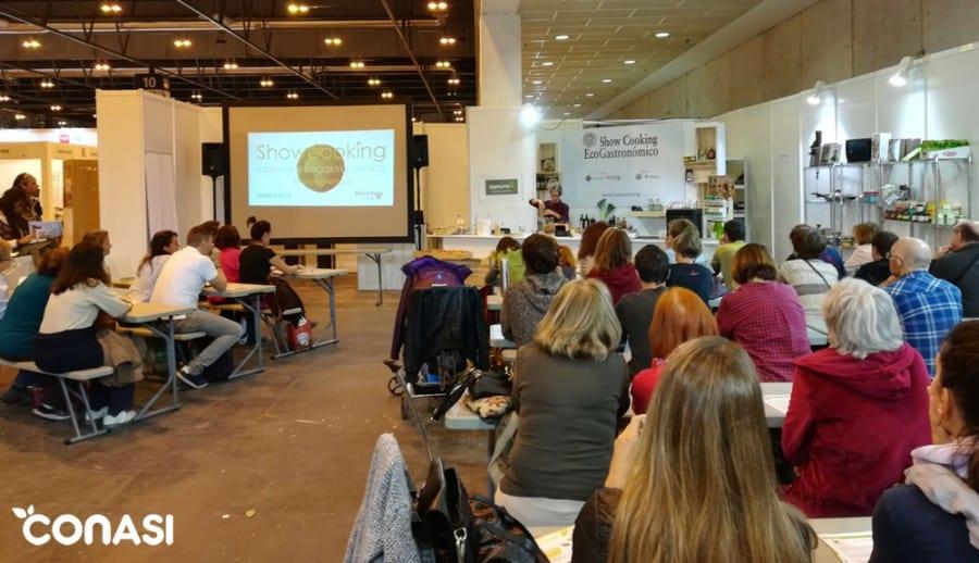 Showcooking de Montse Vallory sobre elaboración de snacks crujientes de trigo sarraceno germinado