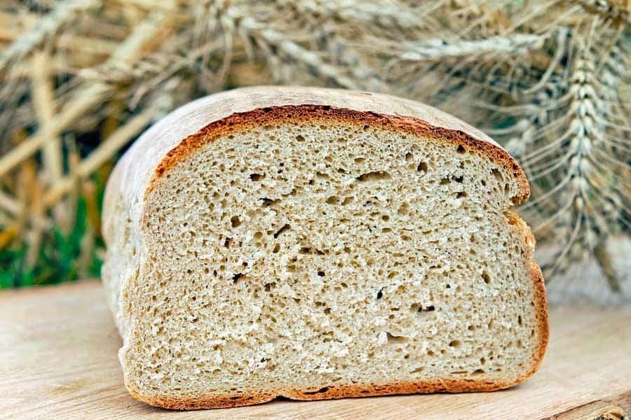Pan con una miga densa y compacta