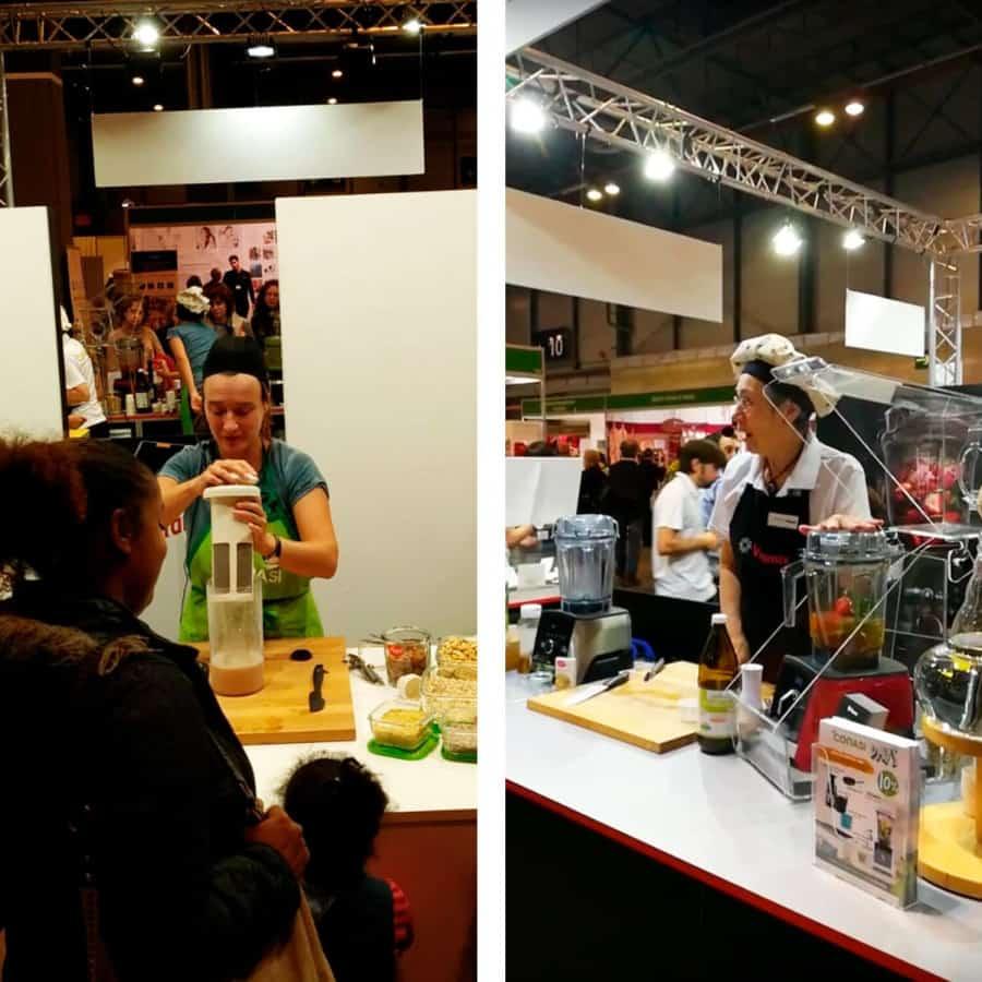 Dos demostradoras en el stand de Biocultura Madrid 2018