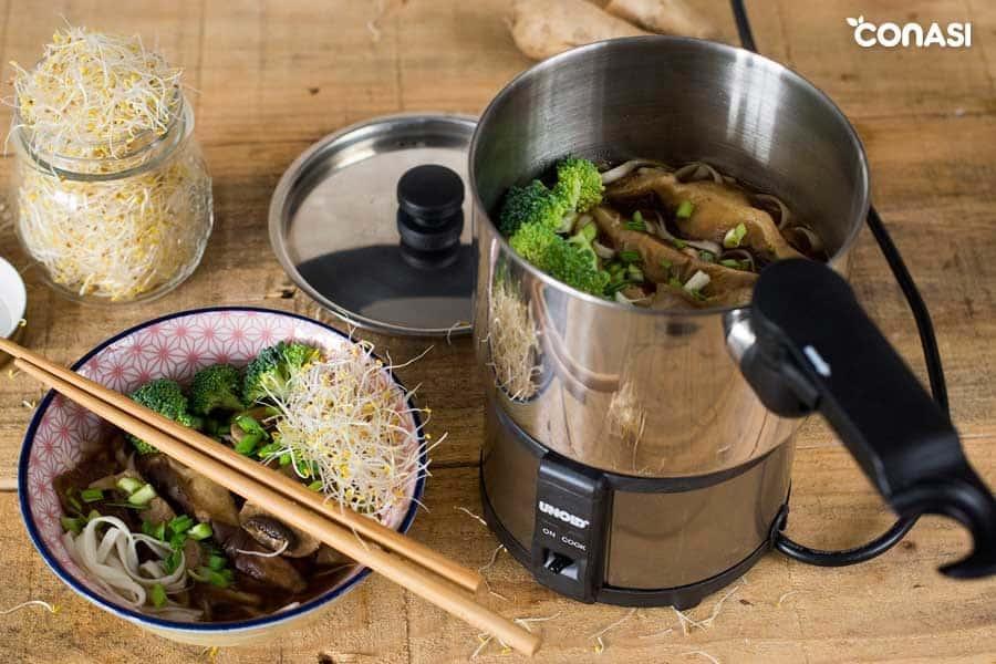Ramen vegetariano con brócoli y shiitake
