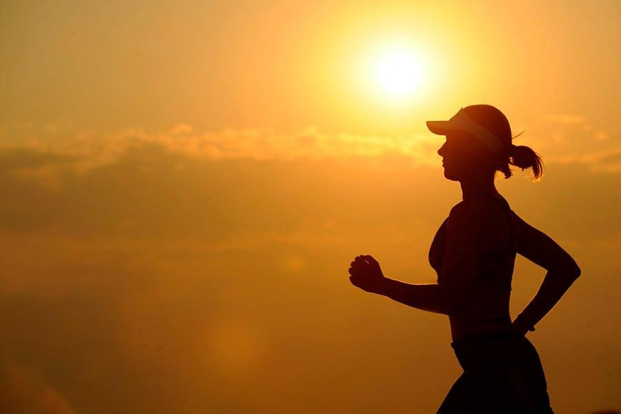 Una mujer corriendo - Disbiosis intestinal