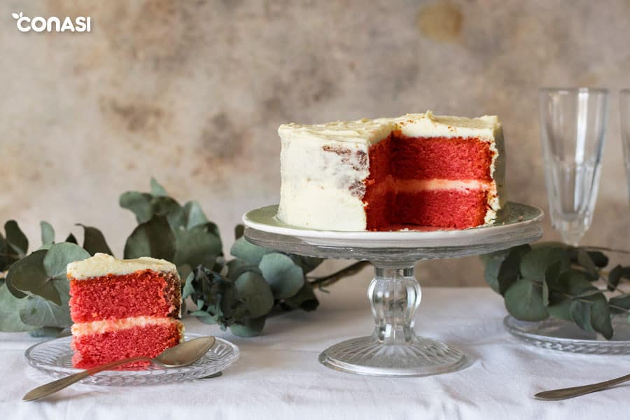 Un trozo de la tarta red velvet