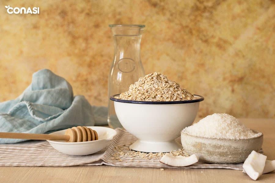 Ingredientes para hacer del yogur casero de avena y coco