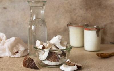 yogur-de-coco-fresco-y-maduro-des