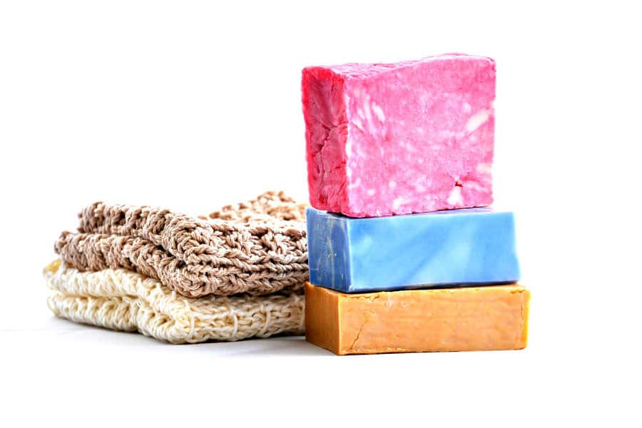 Tres pastillas de jabón casero - cocina sin plásticos