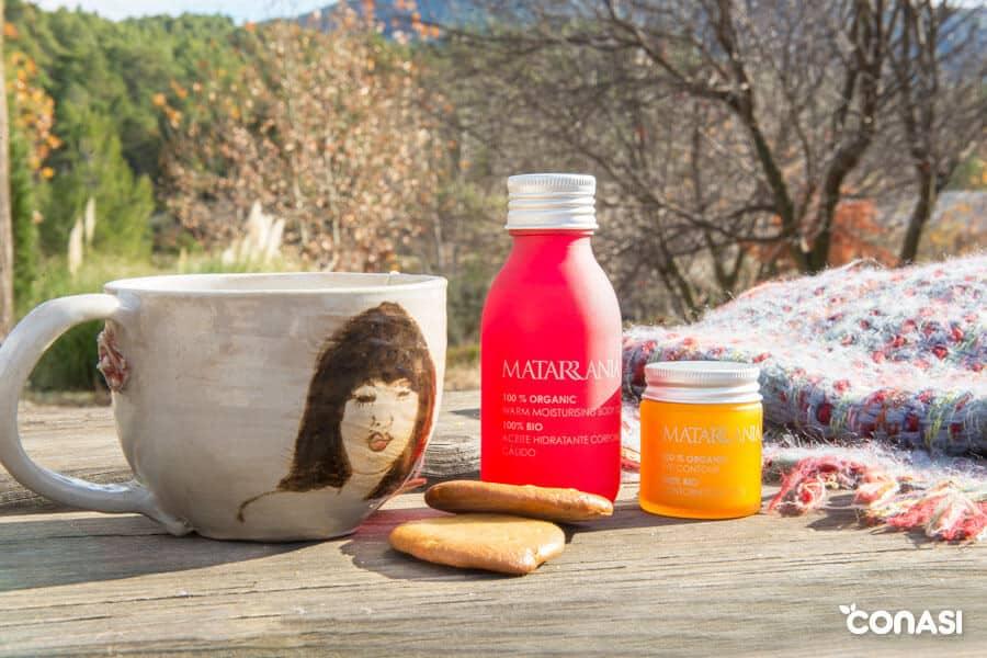 Dos productos de Matarrania en una mesa - Día de la madre