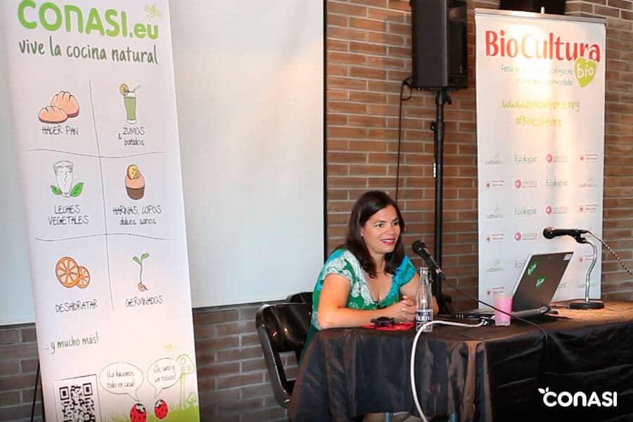 """Dra Odile Fdez en la conferencia """"Alimentación infantil saludable"""""""