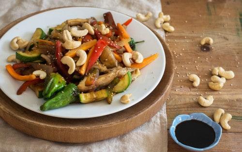Salteado de verduras con anacardos