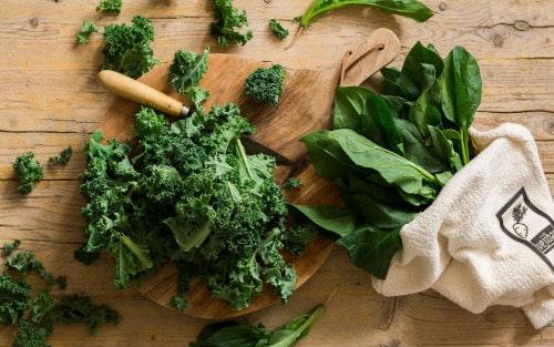 Cómo cocinar las verduras de hoja verde