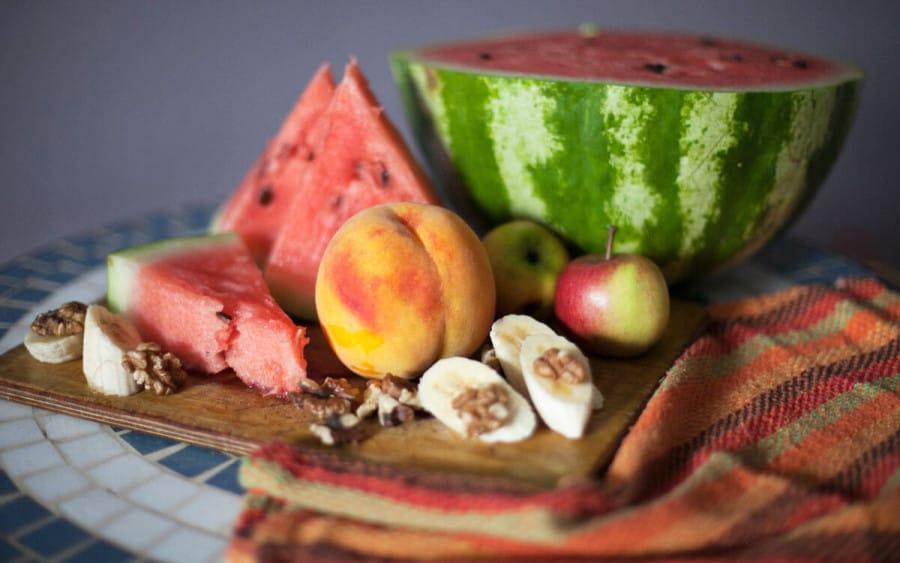 Un bodegón de frutas veraniegas - Macrobiótica en verano