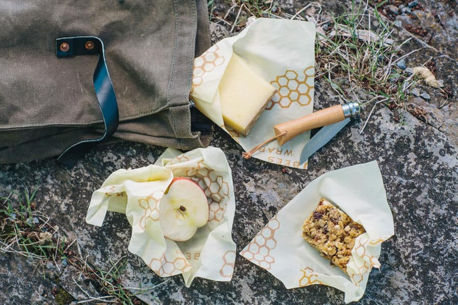 Bee's wrapp envolviendo varios alimentos - nevera sin plásticos