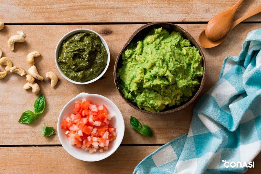 Pesto de moringa y guacamole