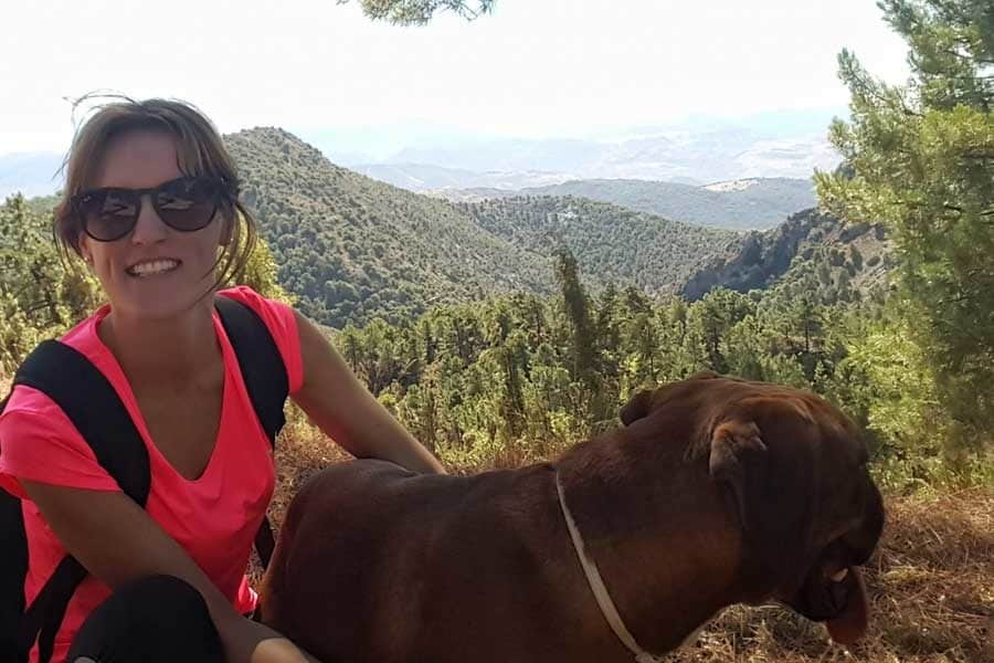 Mary y su perro Broly - Conasi