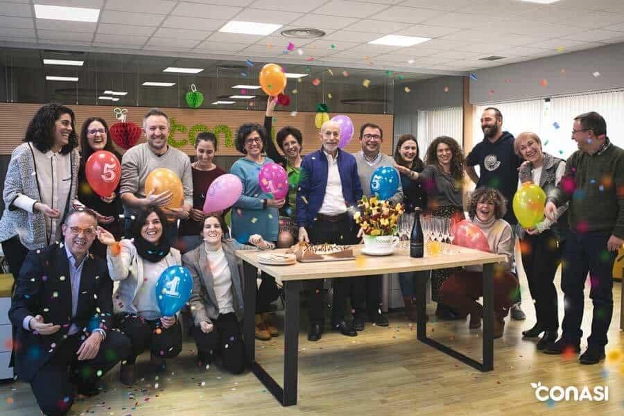 El equipo de Conasi celebrando el 15 cumpleaños