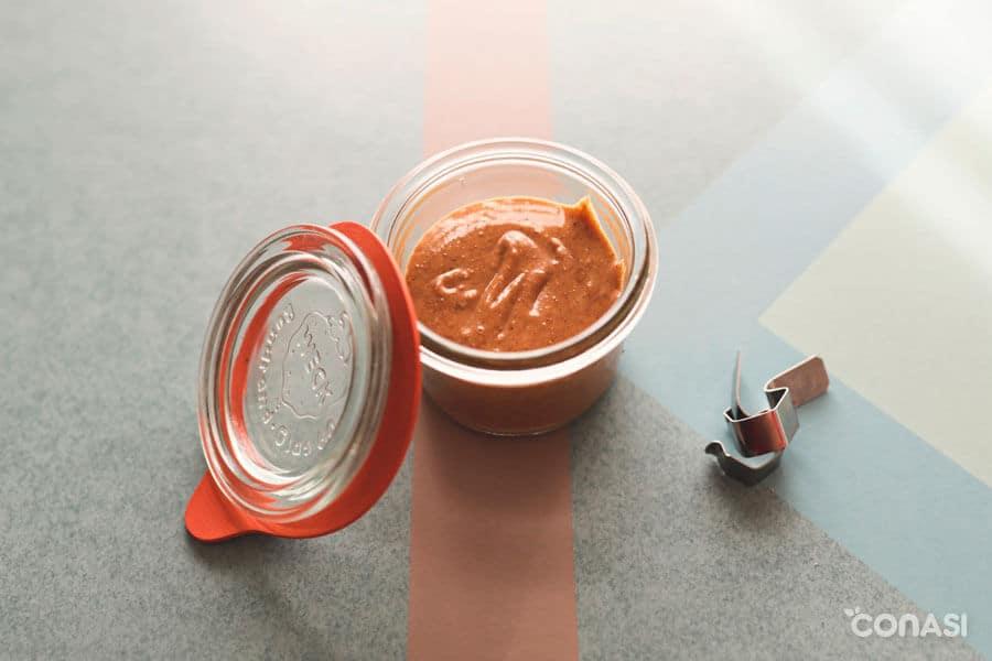 Crema de almendras con Vitamix en un tarro de cristal Weck