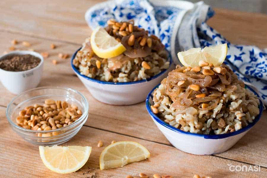 Lentejas valor nutricional- Mujaddara, receta árabe de lentejas con arroz.