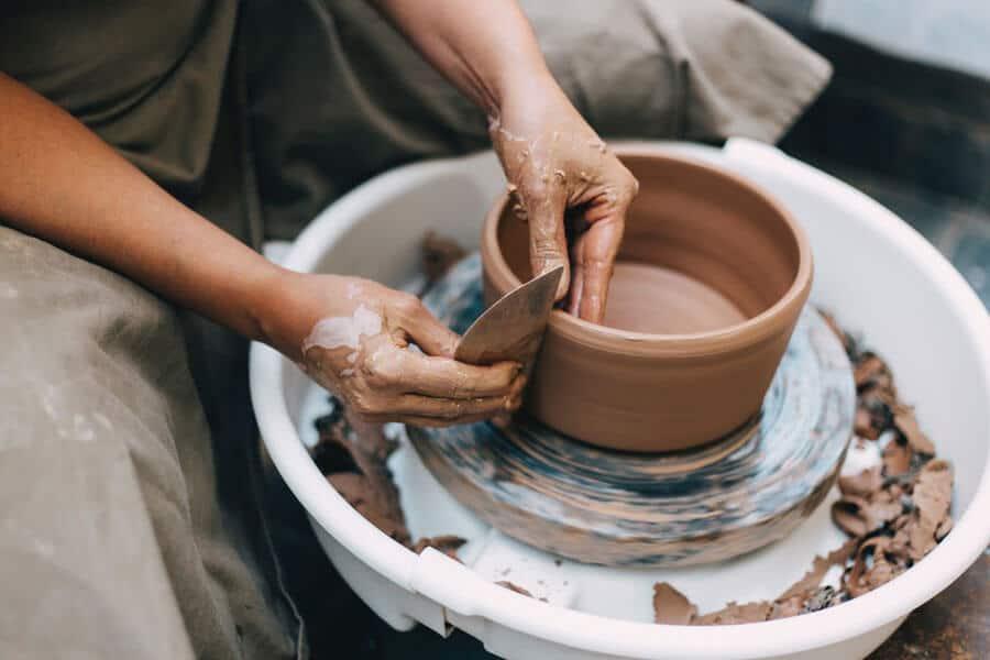 Carámica y porcelana para cocinar, materiales seguros.