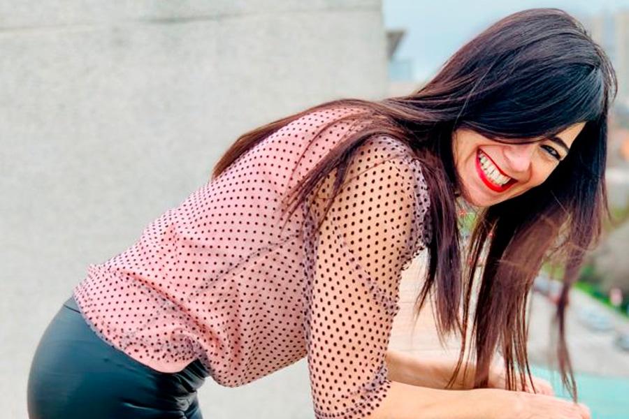 Ana Morenini sonriente - Curso online menopausia
